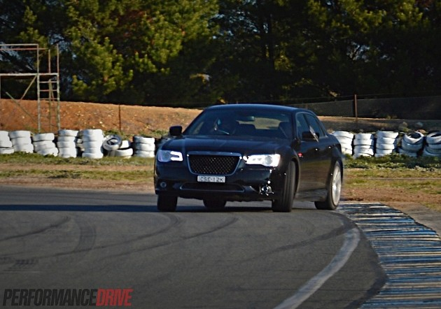 2014 Chrysler 300 SRT8-drifting