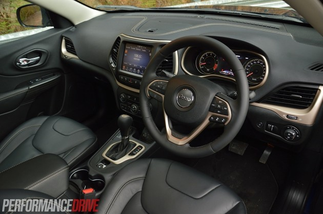 2014 Jeep Cherokee Limited-interior