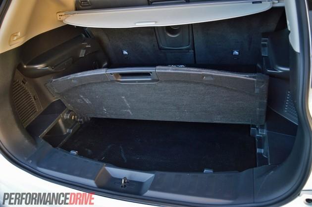 2014 Nissan X-Trail ST-L-dual cargo area