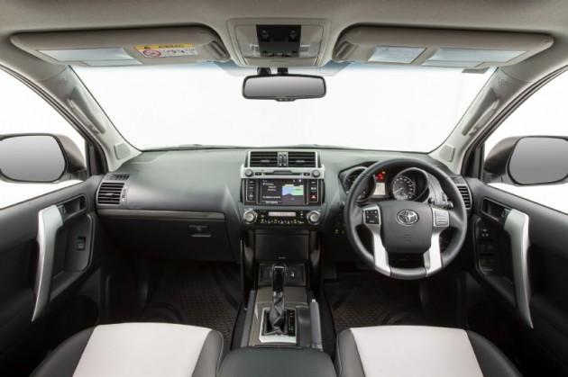 2014 Toyota Prado Altitude-interior