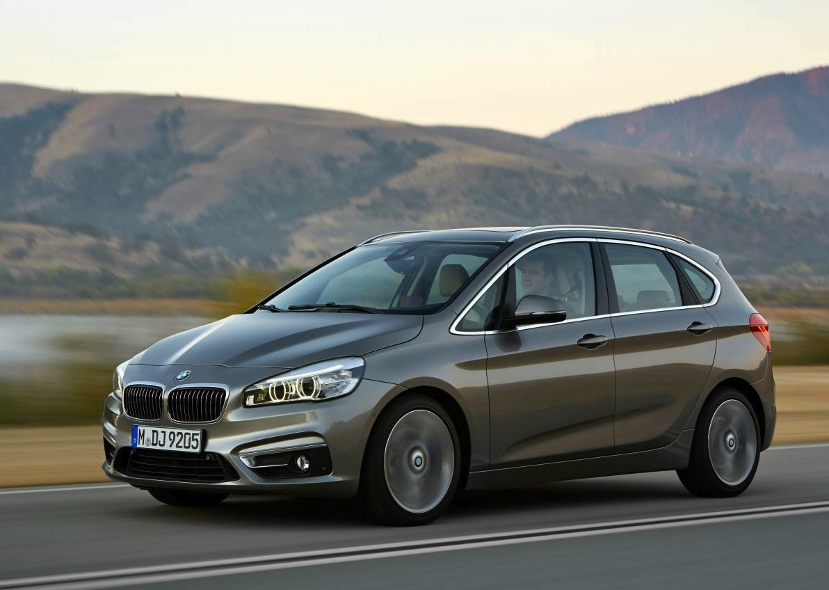 bmw 2 series active tourer on sale from 44 400 performancedrive. Black Bedroom Furniture Sets. Home Design Ideas