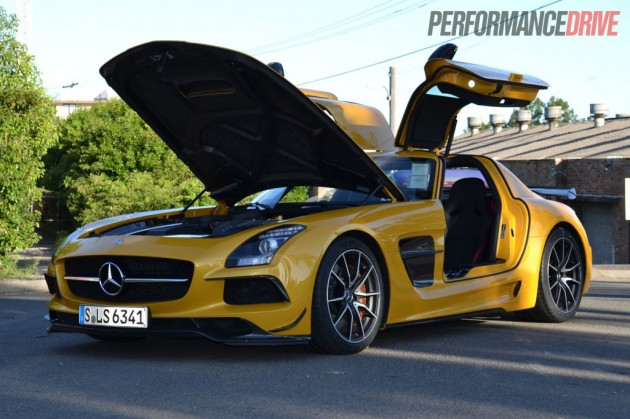 Mercedes-Benz-SLS-AMG-Black-Series-PerformanceDrive