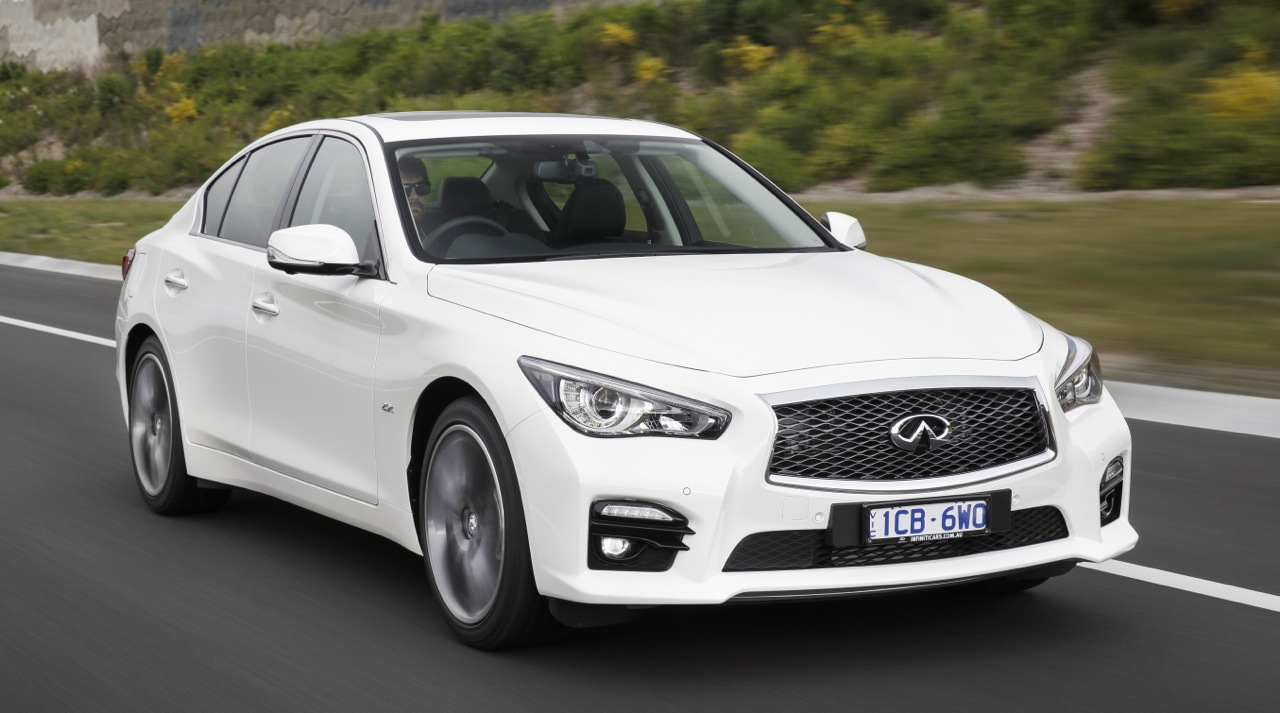 infiniti q50 revealed set to take on 3 series and lexus is performancedrive. Black Bedroom Furniture Sets. Home Design Ideas