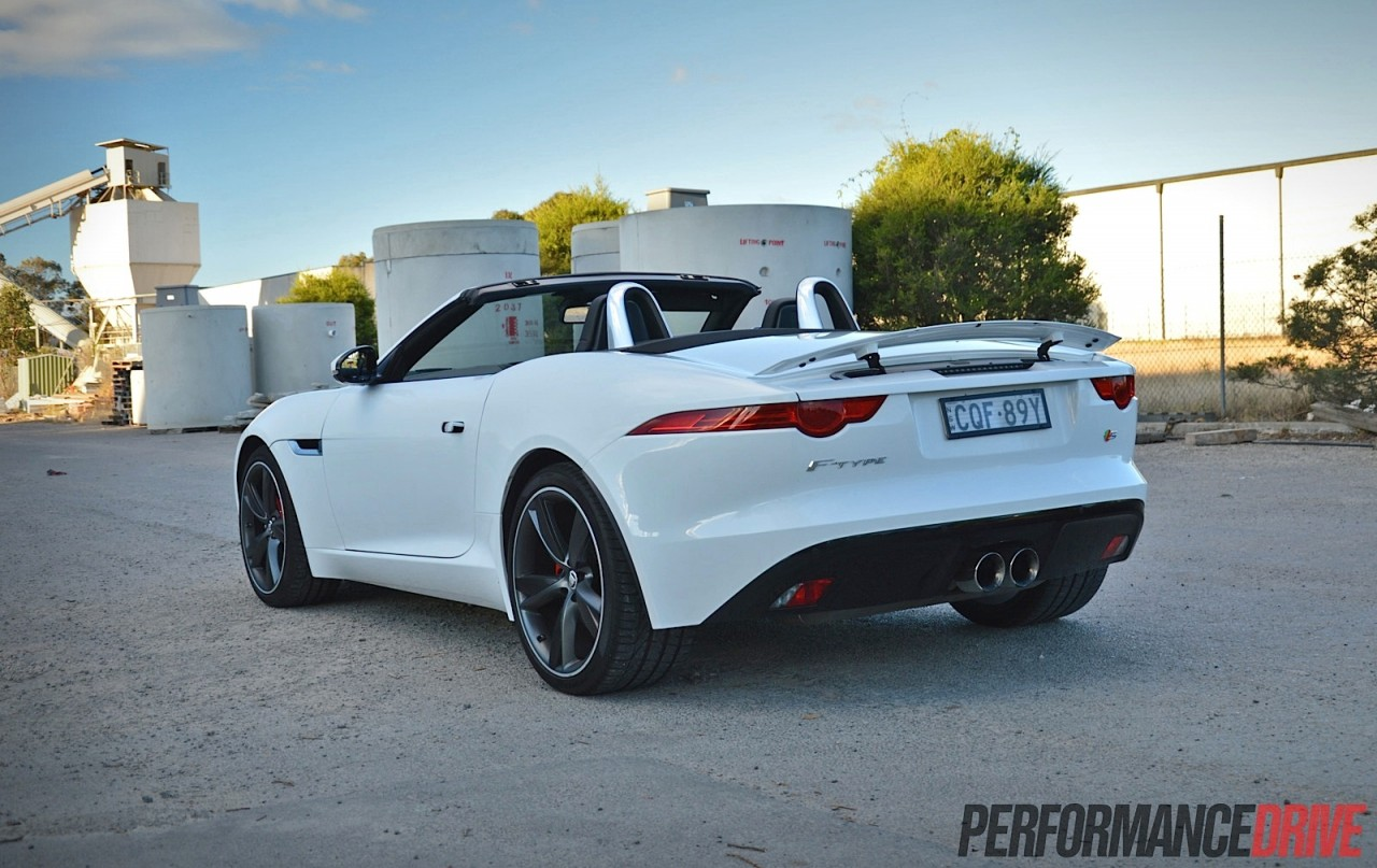 2010 Jaguar F Type V6 photo - 1