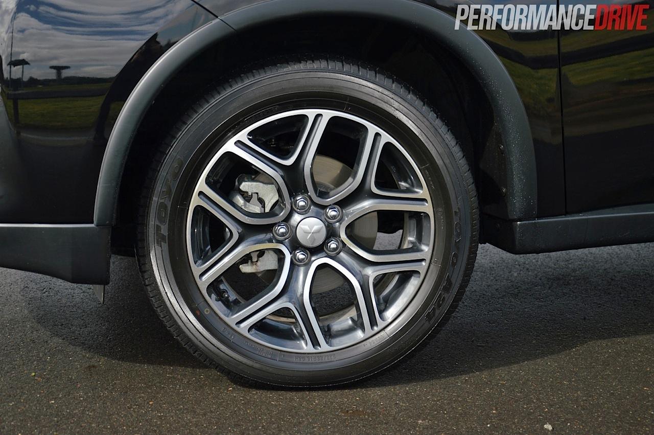 Honda Electric Car >> 2014 Mitsubishi Outlander PHEV Aspire-18in wheels