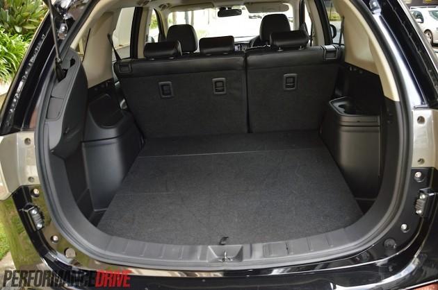 2014 Mitsubishi Outlander Phev Cargo Space