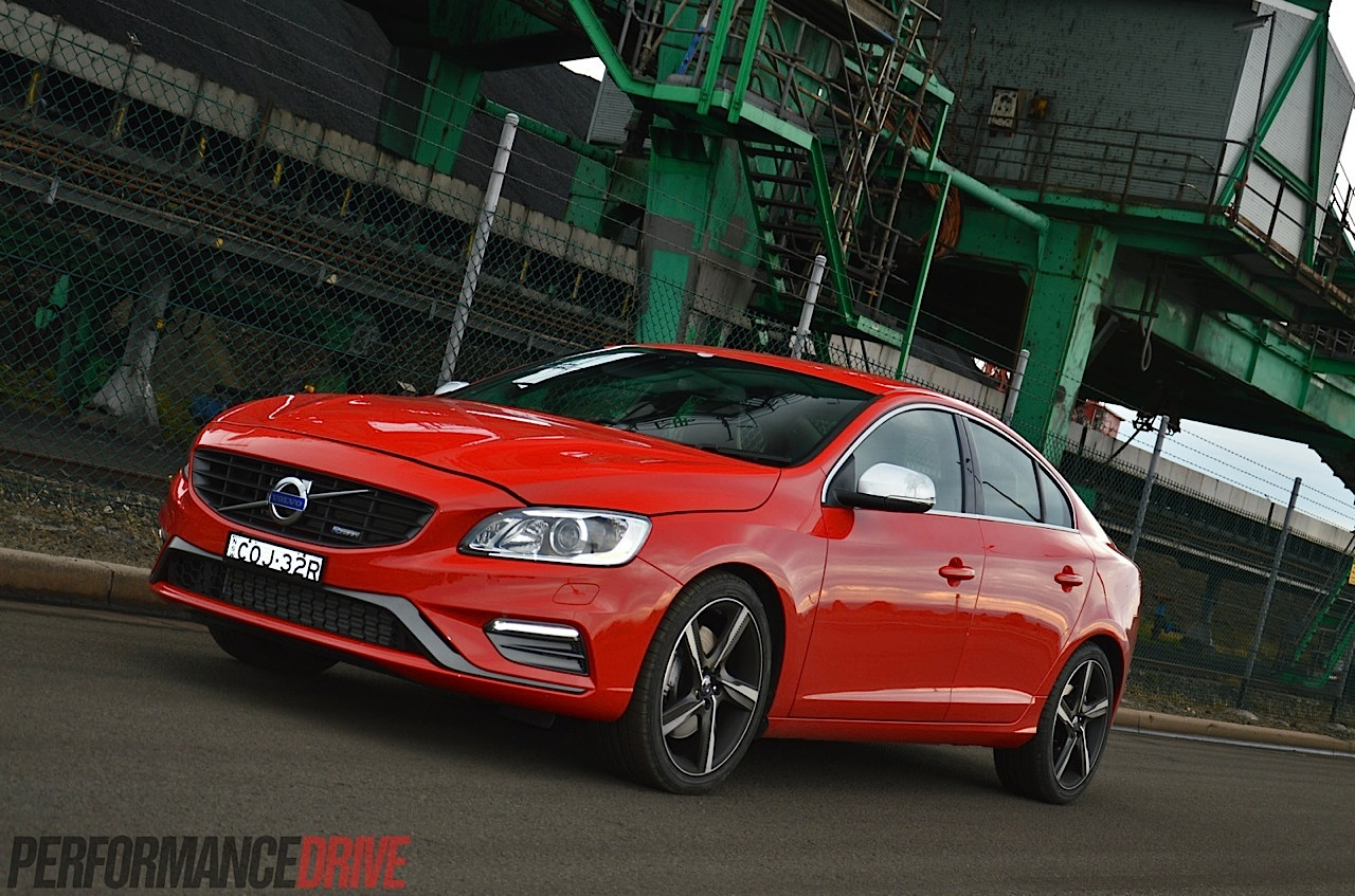 2014 volvo s60 t6 r design review video performancedrive. Black Bedroom Furniture Sets. Home Design Ideas