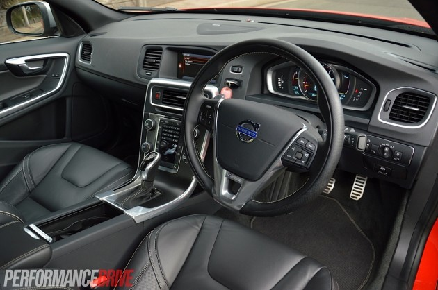 2014 Volvo S60 T6 R-Design-interior