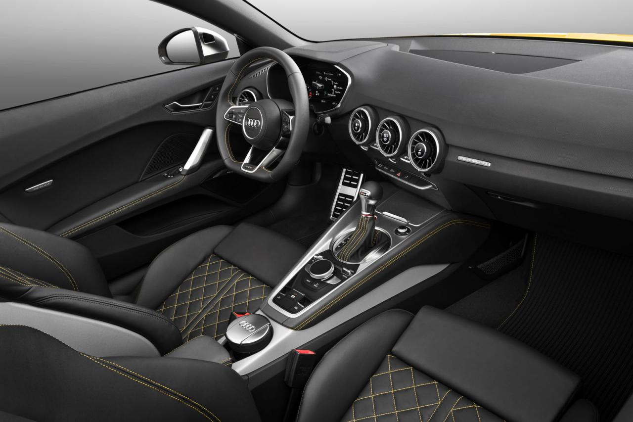 2015 audi tt tt s roadster revealed lighter more for Audi tt interieur