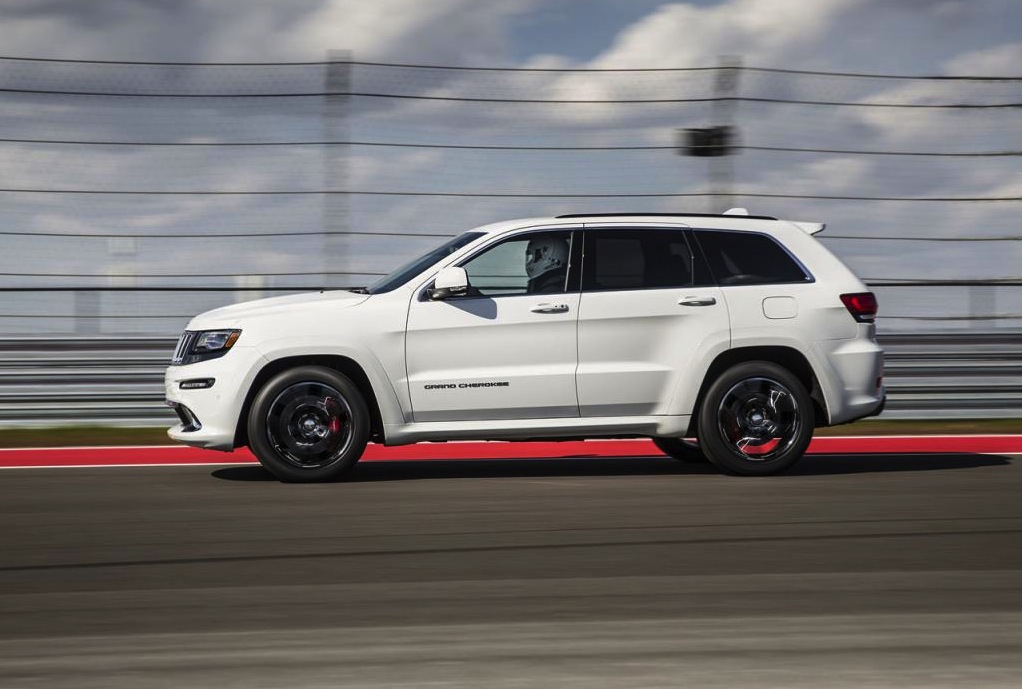 2015 jeep grand cherokee srt revealed more power performancedrive. Black Bedroom Furniture Sets. Home Design Ideas