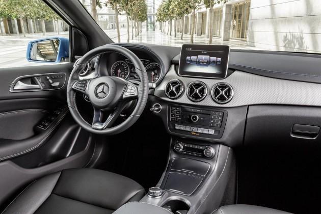 2015 Mercedes-Benz B-Class-dash