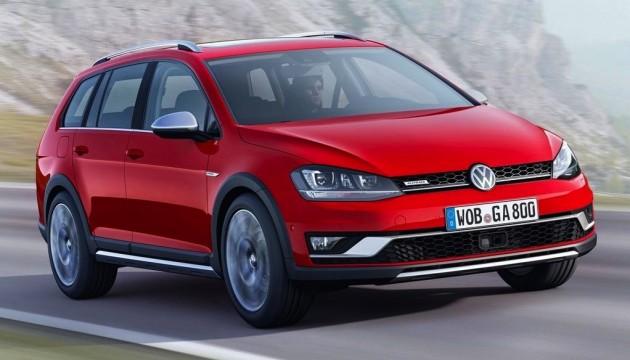 2015 Volkswagen Golf Alltrack driving