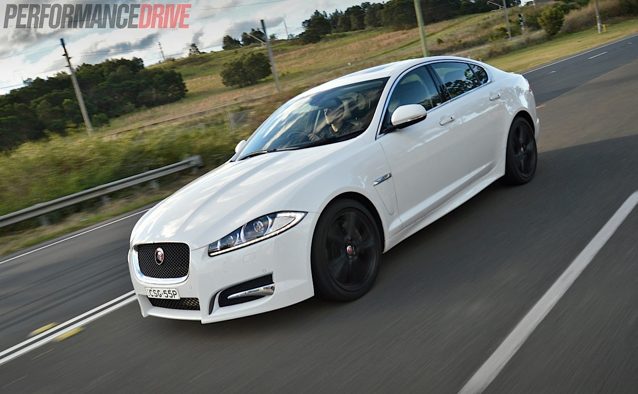 2014 jaguar xf s luxury 3 0dtt review video performancedrive. Black Bedroom Furniture Sets. Home Design Ideas