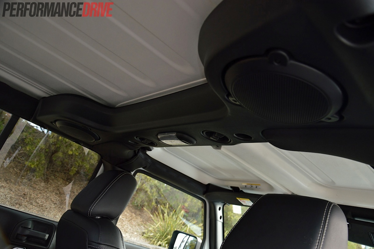 2016 Jeep Wrangler Diesel >> 2014 Jeep Wrangler Polar review (video)   PerformanceDrive