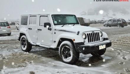 2014 Jeep Wrangler Polar snowing