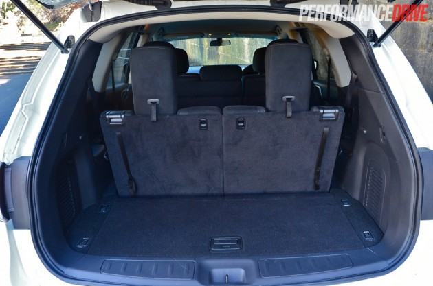 2014 Nissan Pathfinder ST 2WD V6 boot space