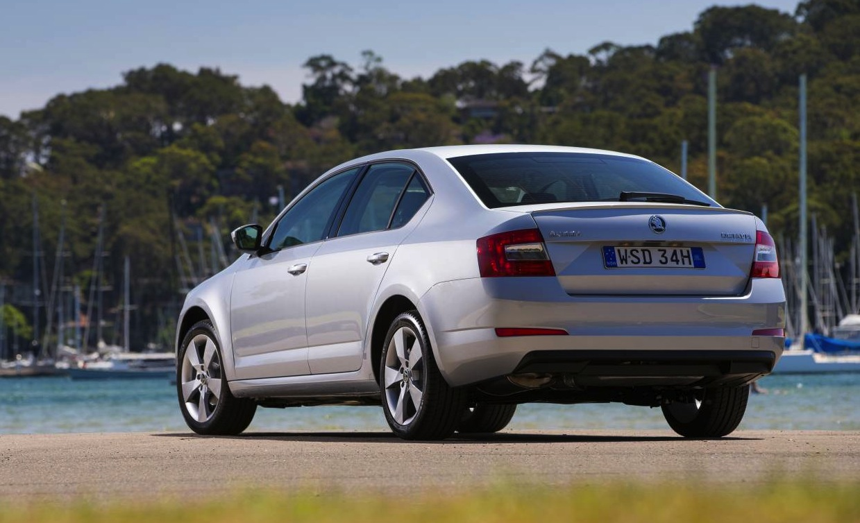 2015 skoda octavia on sale from 21 690 updated tech performancedrive. Black Bedroom Furniture Sets. Home Design Ideas