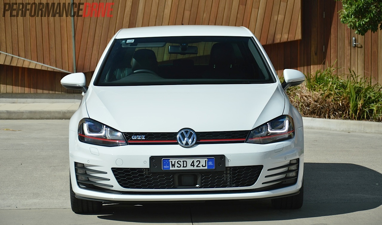 2014 volkswagen golf gti performance mk7 review video performancedrive. Black Bedroom Furniture Sets. Home Design Ideas