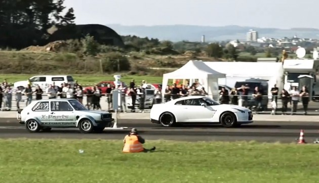 Boba Motoring VW Golf vs GT-R