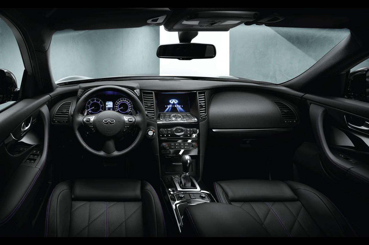 infiniti qx70 s design debuts at 2014 paris motor show. Black Bedroom Furniture Sets. Home Design Ideas