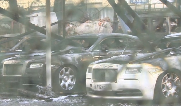 12 cars Rolls-Royce burnt in Russia