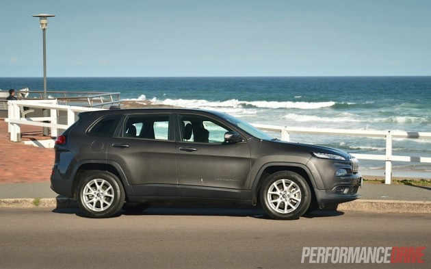 2014 jeep cherokee sport granite crystal grey. Cars Review. Best American Auto & Cars Review