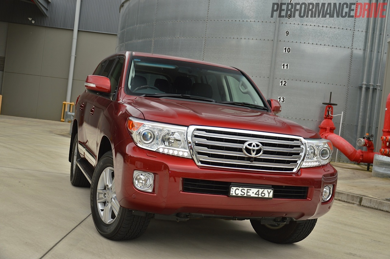 2014 Toyota Landcruiser Sahara V8 Review Video