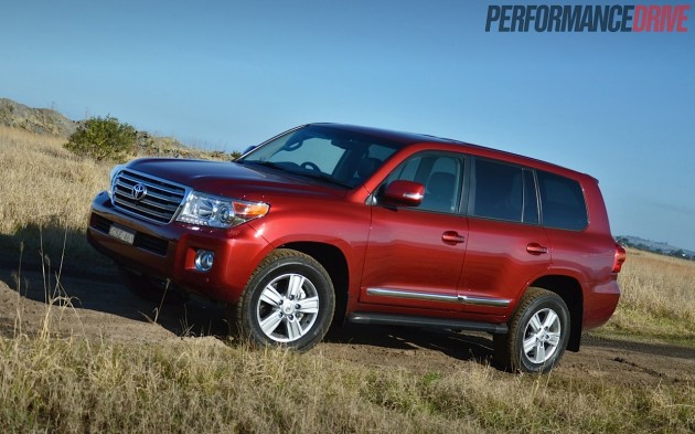 2014 Toyota LandCruiser Sahara-red