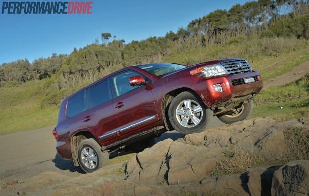 2014 Toyota LandCruiser Sahara-rock