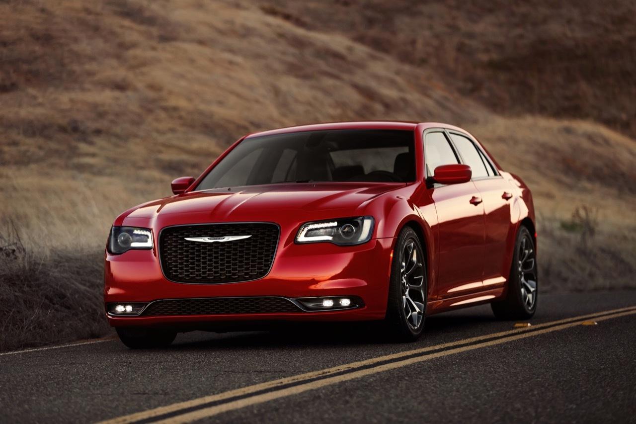 2015 chrysler 300 revealed 8spd auto for v8 more power for v6 performancedrive. Black Bedroom Furniture Sets. Home Design Ideas