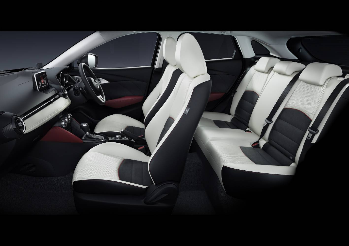 2015 mazda cx 3 unveiled at la auto show performancedrive for Lederen interieur auto