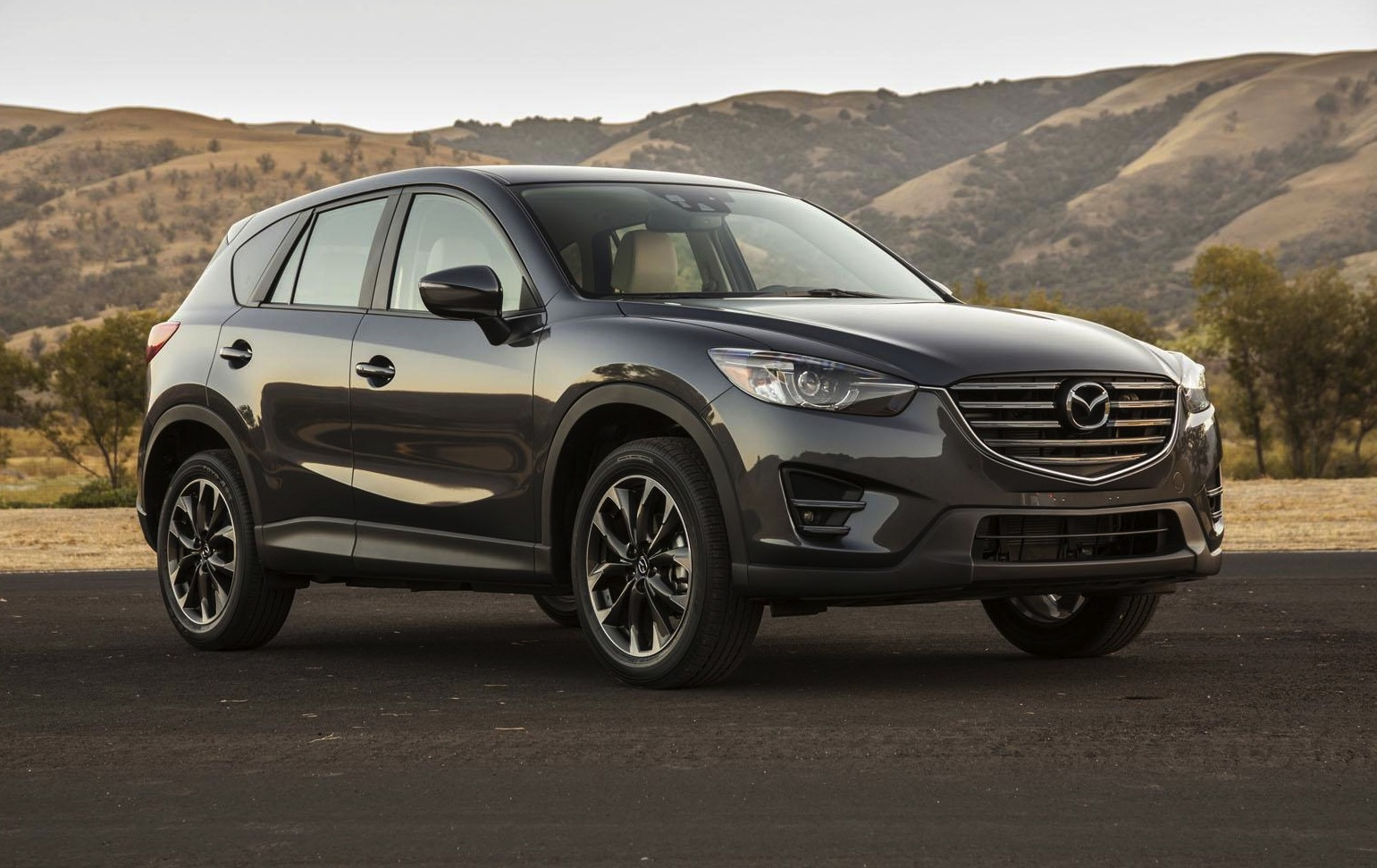 2015 mazda cx 5 revealed at la auto show performancedrive. Black Bedroom Furniture Sets. Home Design Ideas