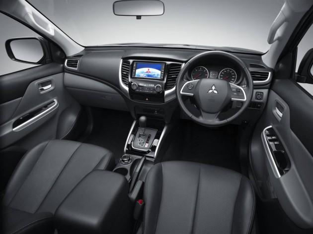 2016 Mitsubishi Triton-interior
