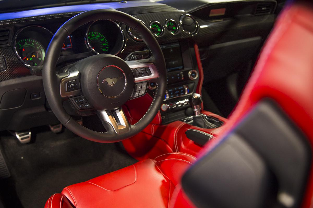 GAS 2015 Ford Mustang Interior