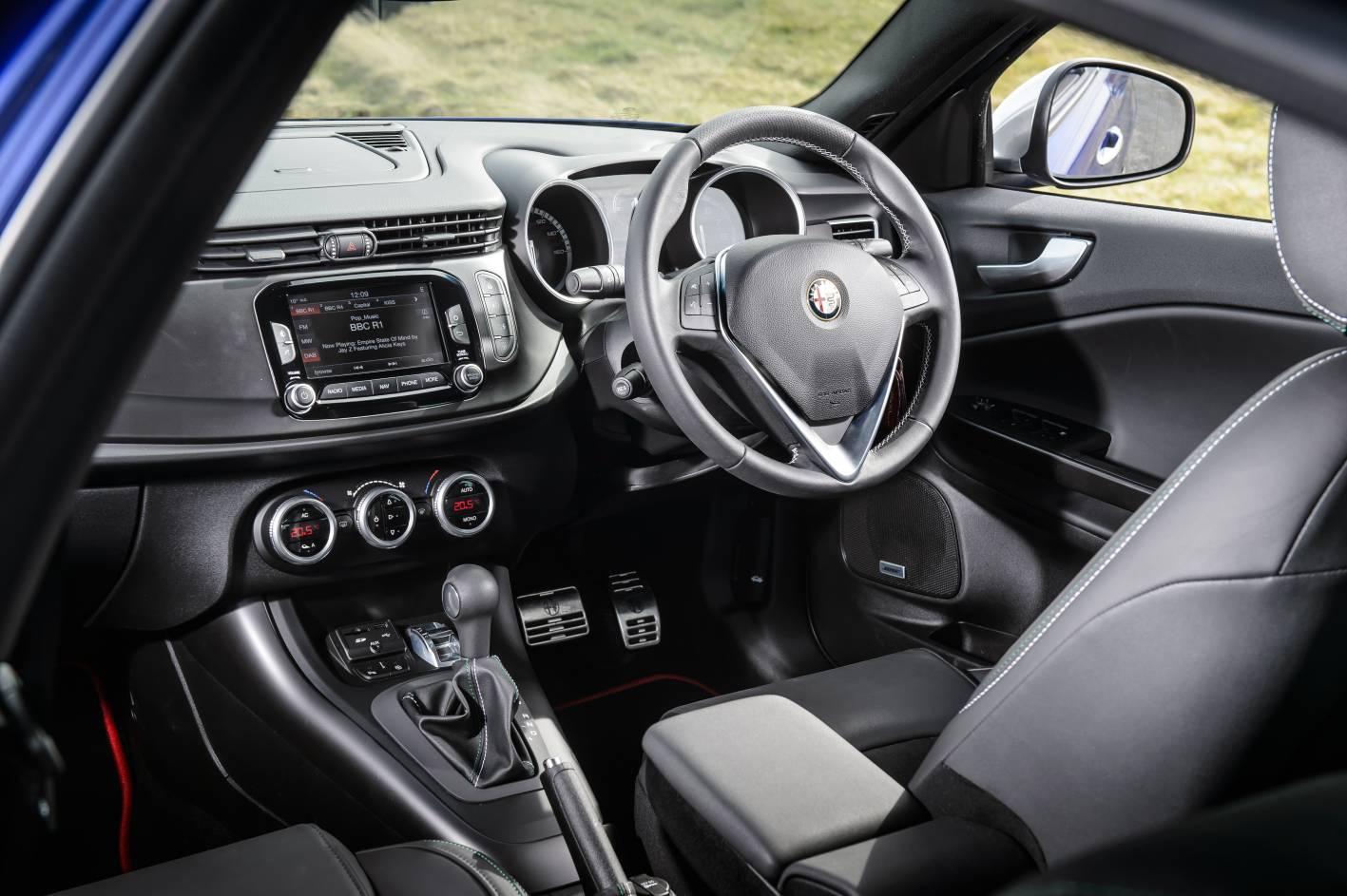 alfa romeo giulietta sprint gama y precios foros de debates de coches. Black Bedroom Furniture Sets. Home Design Ideas