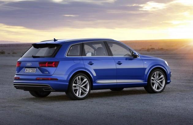 2015 Audi Q7-blue