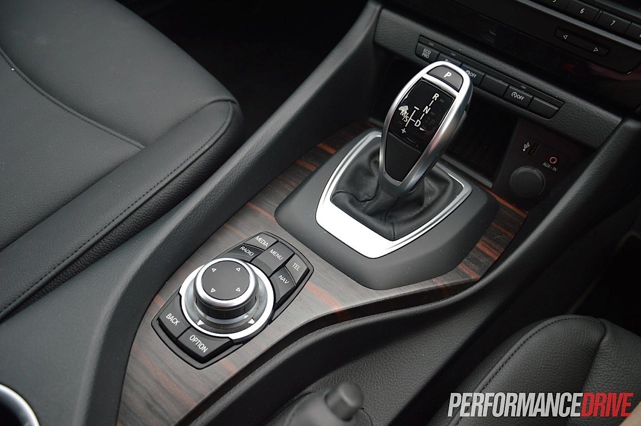 2015 BMW X1 sDrive20i-iDrive control