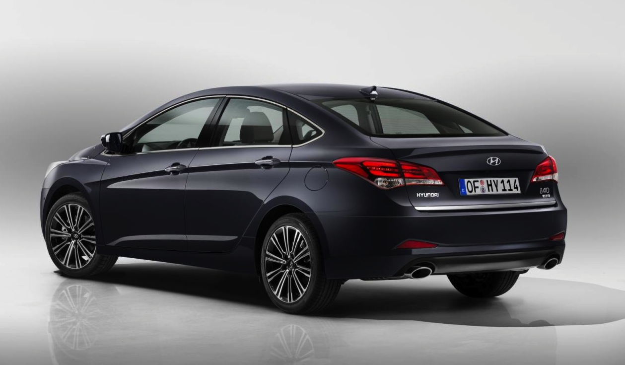 2015 hyundai i40 revealed shows off sharp new look performancedrive. Black Bedroom Furniture Sets. Home Design Ideas