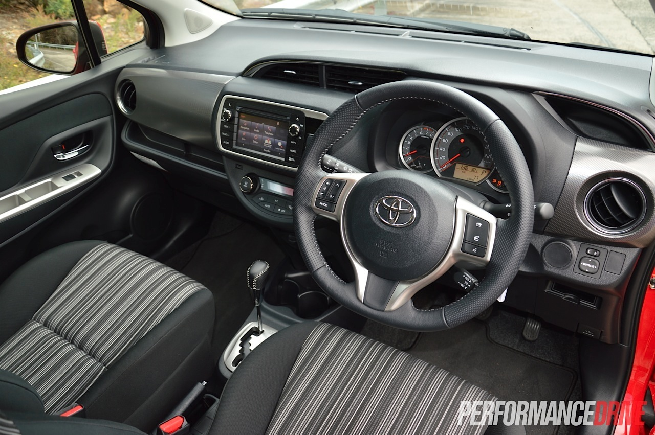 Interieur toyota yaris 1 0 photo of interieur yaris 2015 for Interieur yaris 2015