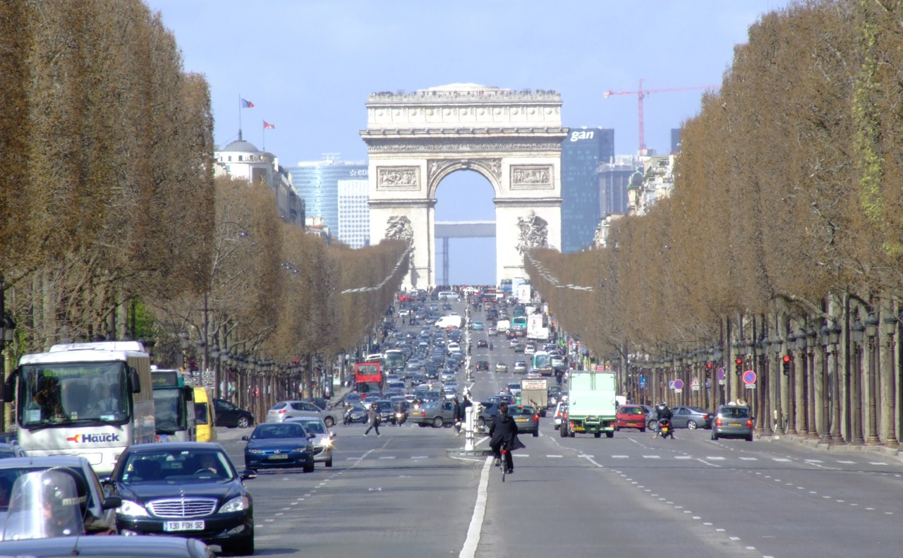 mayor of paris plans to ban cars from central districts performancedrive. Black Bedroom Furniture Sets. Home Design Ideas