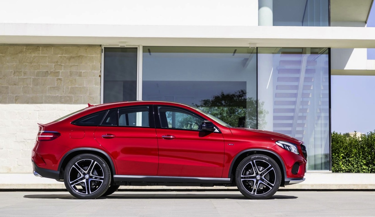 mercedes benz gle coupe revealed debuts amg sport 39 450 39 performancedrive. Black Bedroom Furniture Sets. Home Design Ideas