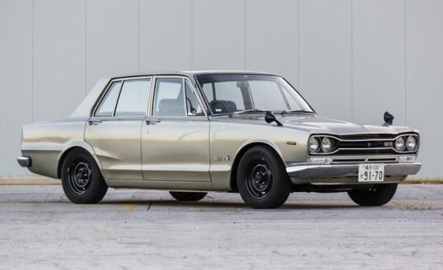 1970 PGC10 Nissan Skyline 2000 GT-R-silver-