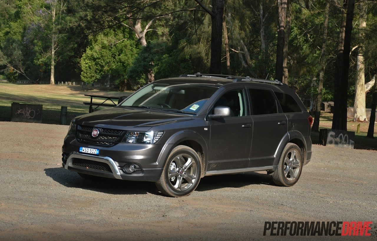 2015 fiat freemont crossroad review video performancedrive. Black Bedroom Furniture Sets. Home Design Ideas