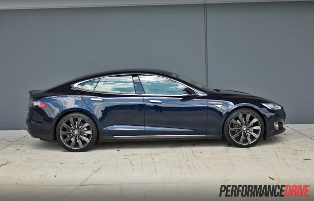 Tesla Model S P85+ -body