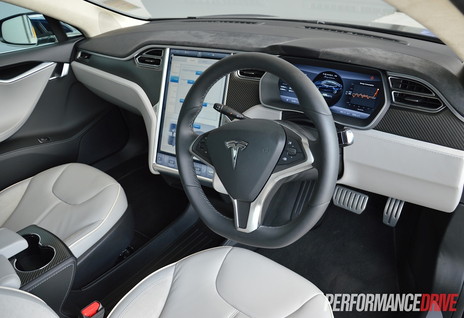 Tesla model s p85 review video performancedrive for Interior tesla model s