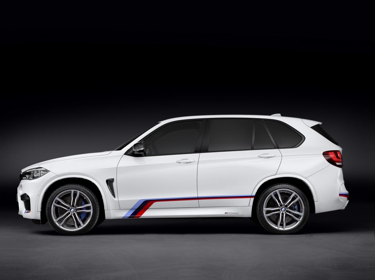 bmw m performance accessories announced for x5 m x6 m. Black Bedroom Furniture Sets. Home Design Ideas