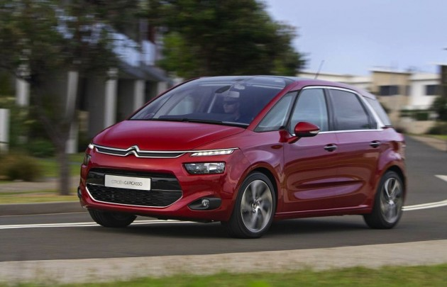 2015 Citroen C4 Picasso-red