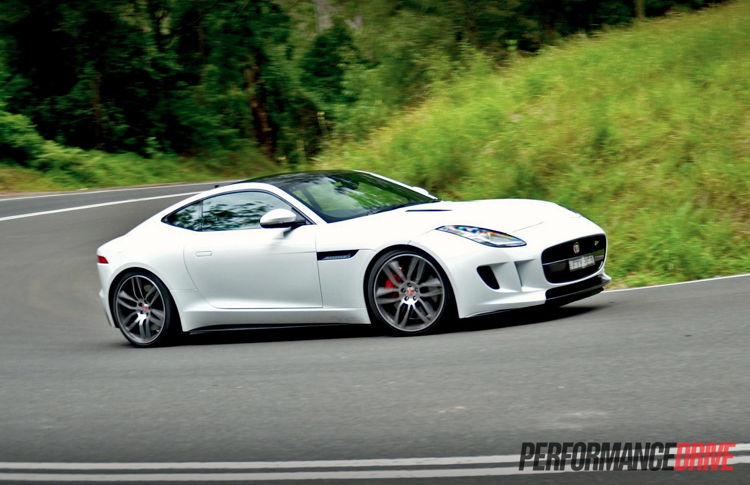 2015 jaguar f type r coupe review video performancedrive. Black Bedroom Furniture Sets. Home Design Ideas