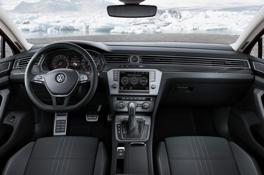 2015 Volkswagen Passat Alltrack shows its face before Geneva | PerformanceDrive