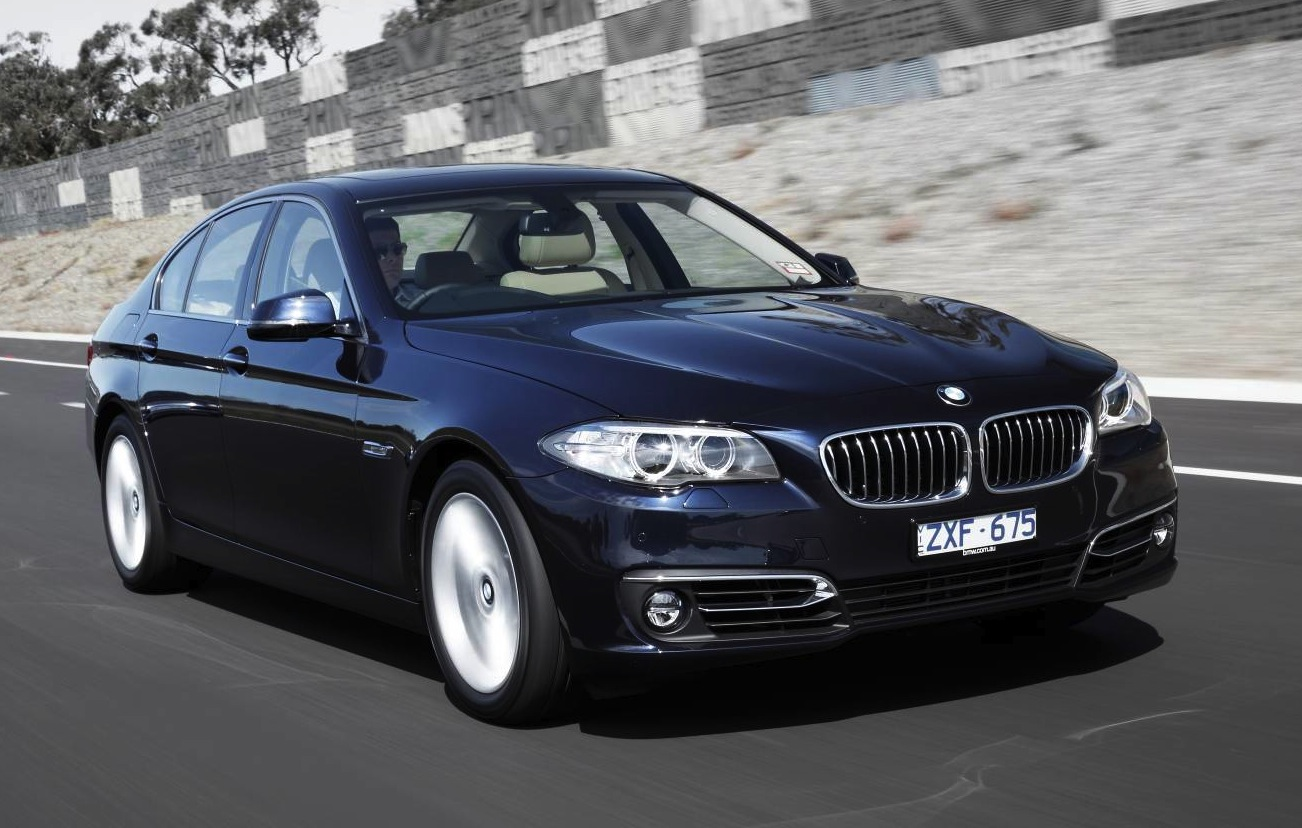 2015 bmw 5 series gets new option packages 550i phased out performancedrive. Black Bedroom Furniture Sets. Home Design Ideas